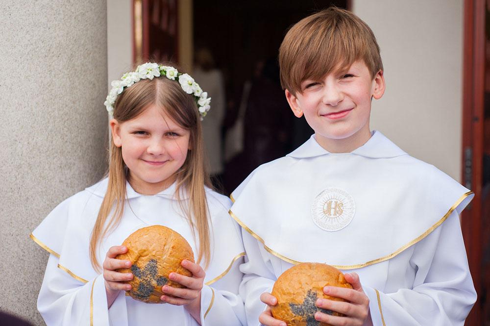 I Komunia Święta Kingi i Łukasza – fotoreportaż