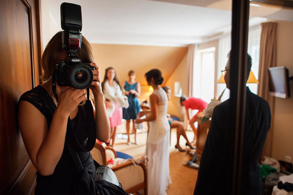 Fotoreportaż ślubny – o pracy fotografa słów kilka