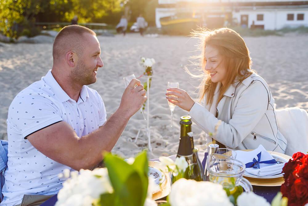Kolacja zaręczynowa na plaży w Orłowie (Gdynia)
