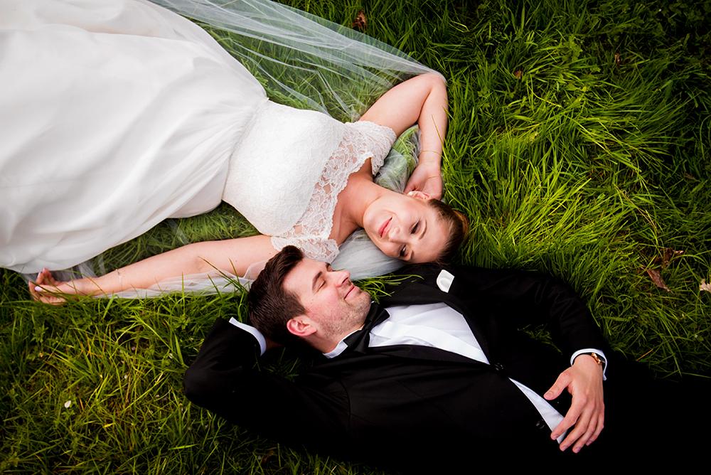 Tajemniczy ogród – sesja ślubna Pauliny i Adama